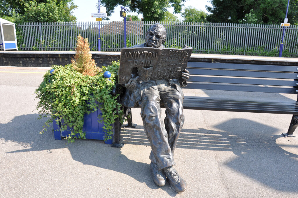March Statue of Sir Nicholas Winton Lyn Perkins