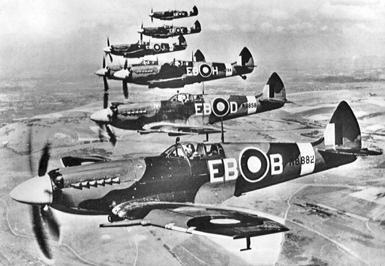 Supermarine Spitfire F Mk XIIs of 41 Sqn